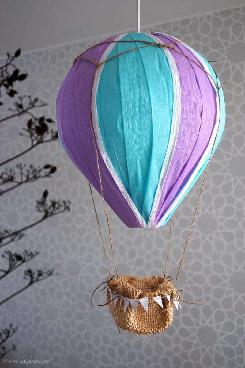 Lovely DIY hot air balloon // Globo aerostático hazlo tú mismo // casahaus.net