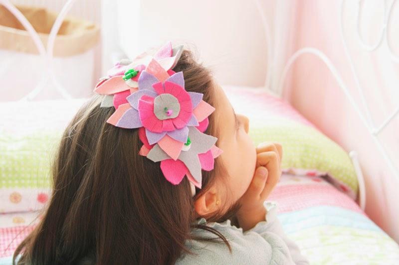Taller de Creactividad: Diy diadema de flores de fieltro9