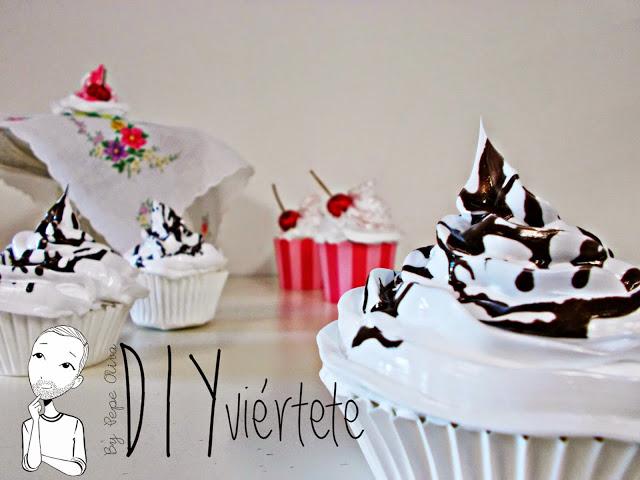 DIY-Do It Yourself-DIYviértete-manualidades-decoración-cupcakes-Decoden-técnica-dulce-cereza-sirope-frostinf-merengue-3