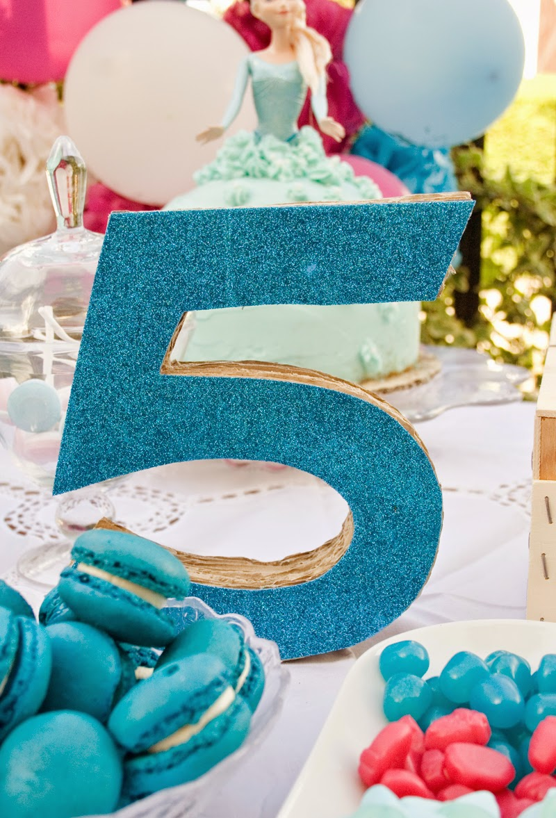 Diy número 5 en 3d con cartón para cumpelaños Frozen1