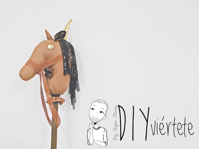 DIY-BLOGERSANDO-Do It Yourself-manualidades-caballo-caballito de palo-caballo de trapo-costura-pasatiempos-juegos-entretenimiento-niños-1