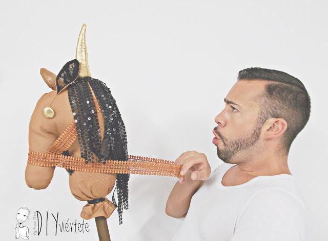 DIY-BLOGERSANDO-Do It Yourself-manualidades-caballo-caballito de palo-caballo de trapo-costura-pasatiempos-juegos-entretenimiento-niños-5