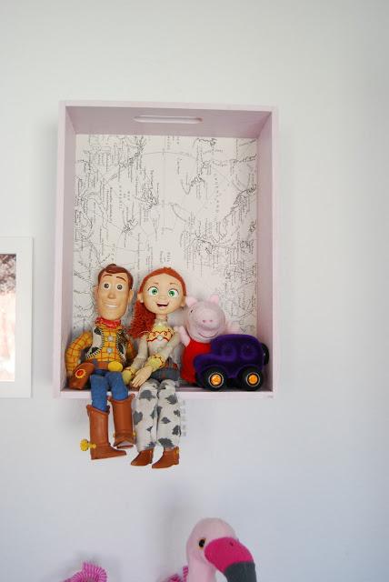 decorar habitación infantil con cajas de madera