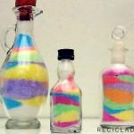 Taller de reutilización de botellas de cristal con sal y tizas de colores