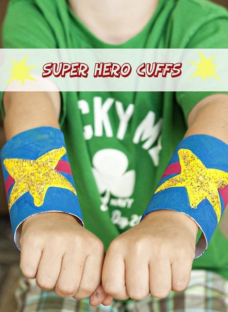 brazaletes de superheroe