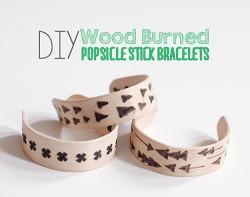 Pulseras de madera con pirograbado