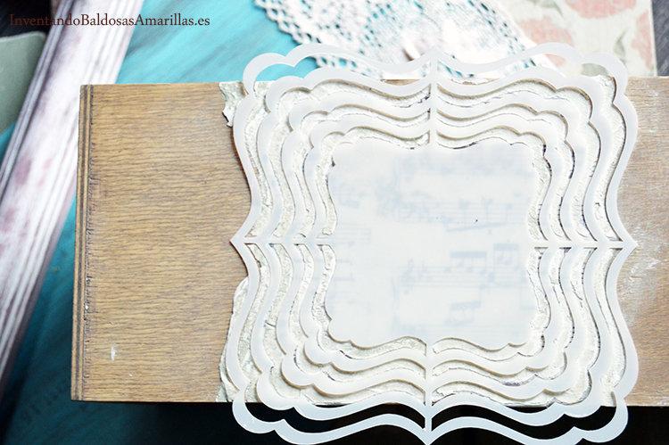 decorar con plantillas pasta relieve