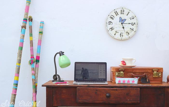 palos decorando despacho