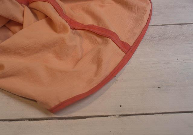 enrollar todo el borde de la prenda y pespuntear missoluciones-pángala