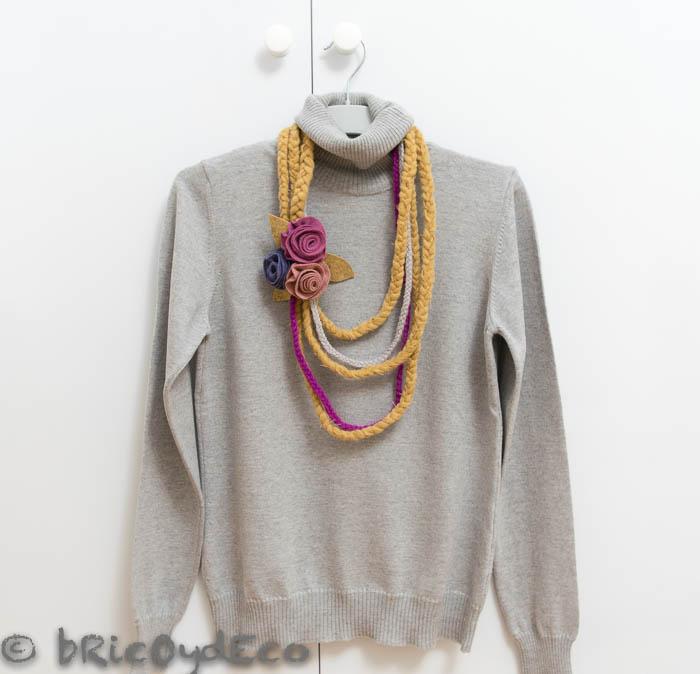 reciclar-una-bufanda-collar-rosas-fieltro