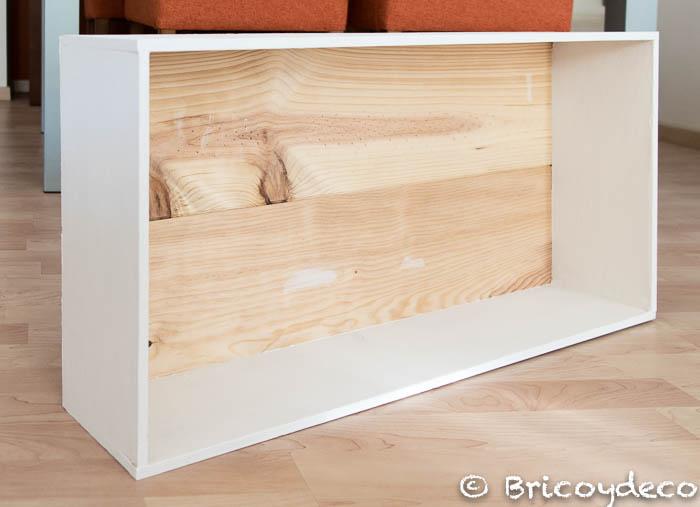 casa-de-muñecas-hecha-con-una-caja-de-madera-reciclada