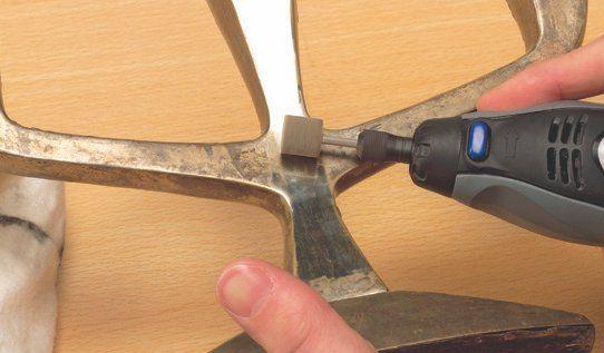 limpiar y pulir con una herramienta rotativa