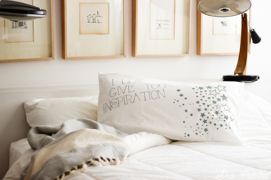 almohada con mensaje pintar en tela
