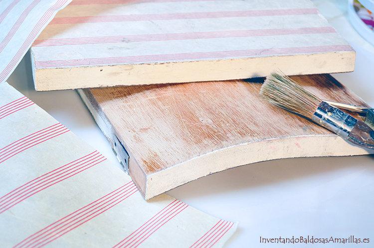 decorar puertas con papel hecho a mano