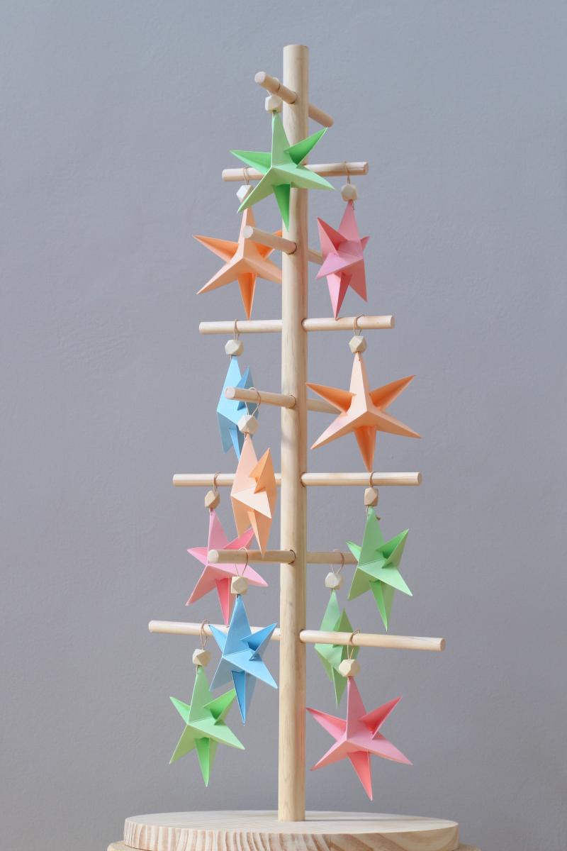 Decorar Estrellas De Navidad En Cartulina.Diy Estrellas Navidenas De Papel Handbox