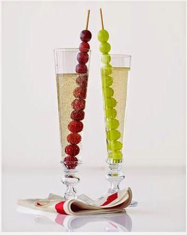 brochetas de uvas para nochevieja