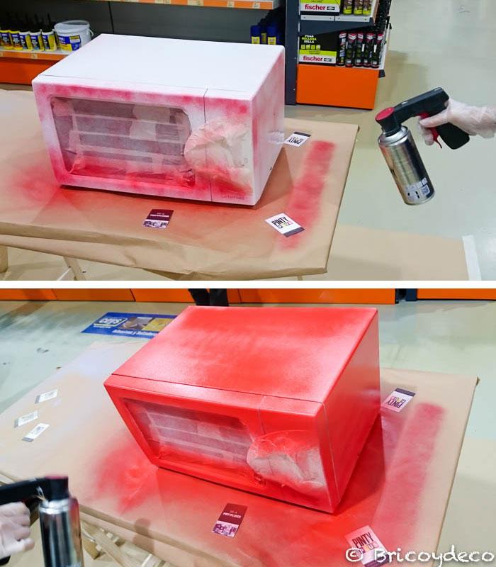 pintar un microondas con pintura en spray
