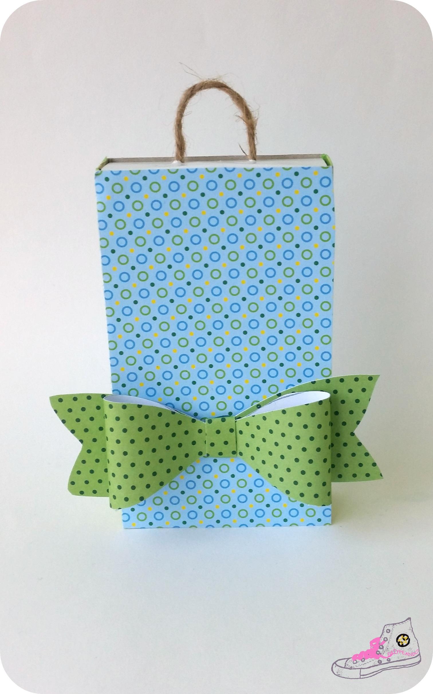 caja de cerillas packaging con lazos