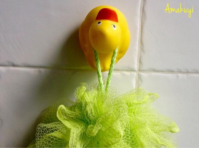 Amarillo-pato-de-goma-colgador-baño-reciclaje