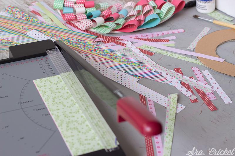 como hacer corona con tiras de papel