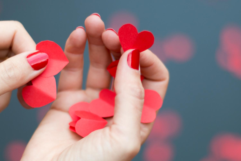 DIY guirnalda de corazones by IamaMessBlog