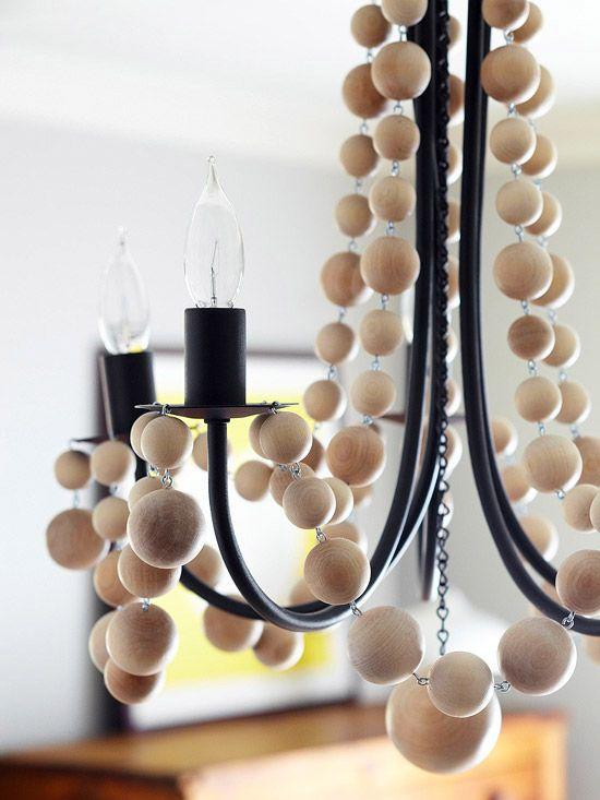 Lámpara techo de hierro y bolas de madera