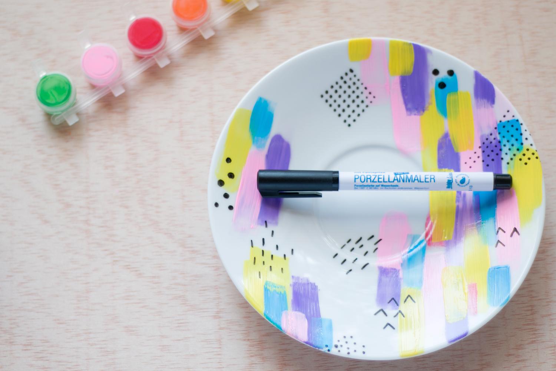 DIY personalizar ceramica con rotulador