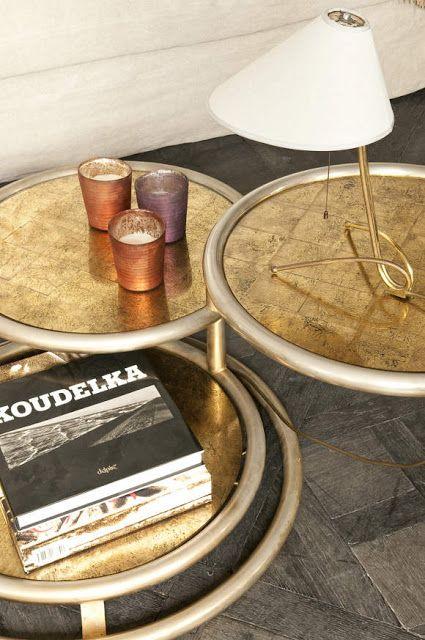 Conjunto mesas auxiliares decoradas con oro