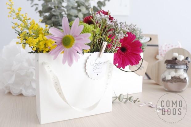 Bolsas de flores para invitadas