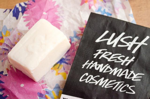 Desodorante sólido Aromaco de Lush