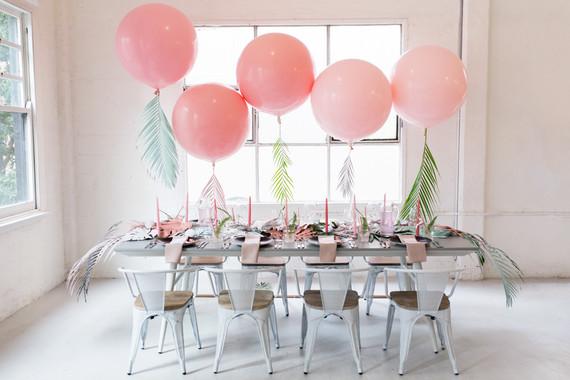 pink ballooms