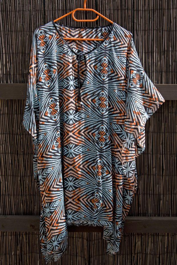 vestido playero hecho con un pañuelo