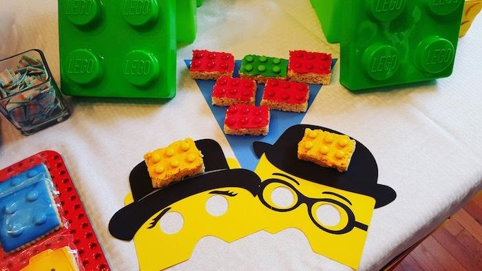 Lego-Themed-Birthday-Party-via-Karas-Party-Ideas-KarasPartyIdeas.com7_