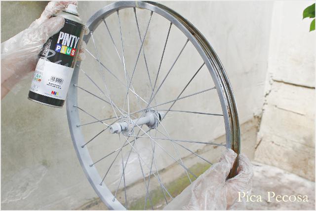 bicicleta-pintada-pintura-spray-diy-estado-intermedio-ruedas