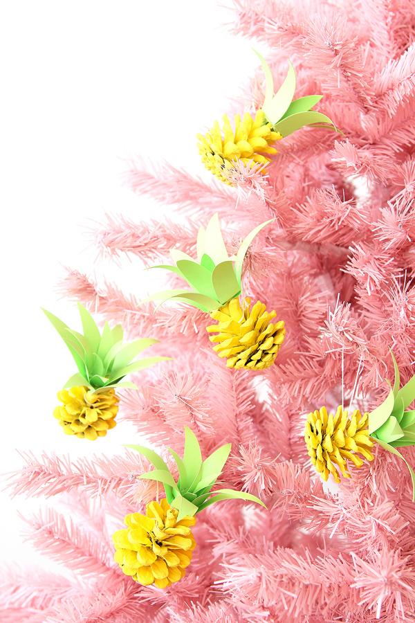 ornamento-arbol-navidad-pina-diy