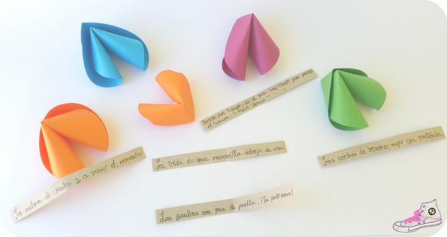 galletas de la fortuna de papel