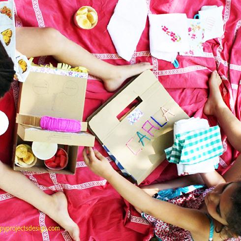 http://www.happyprojectsdesign.com/2015/07/cestos-de-picnic-upcycling.html