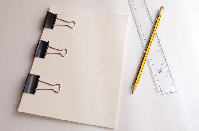 DIY cuaderno con encuadernación pegada