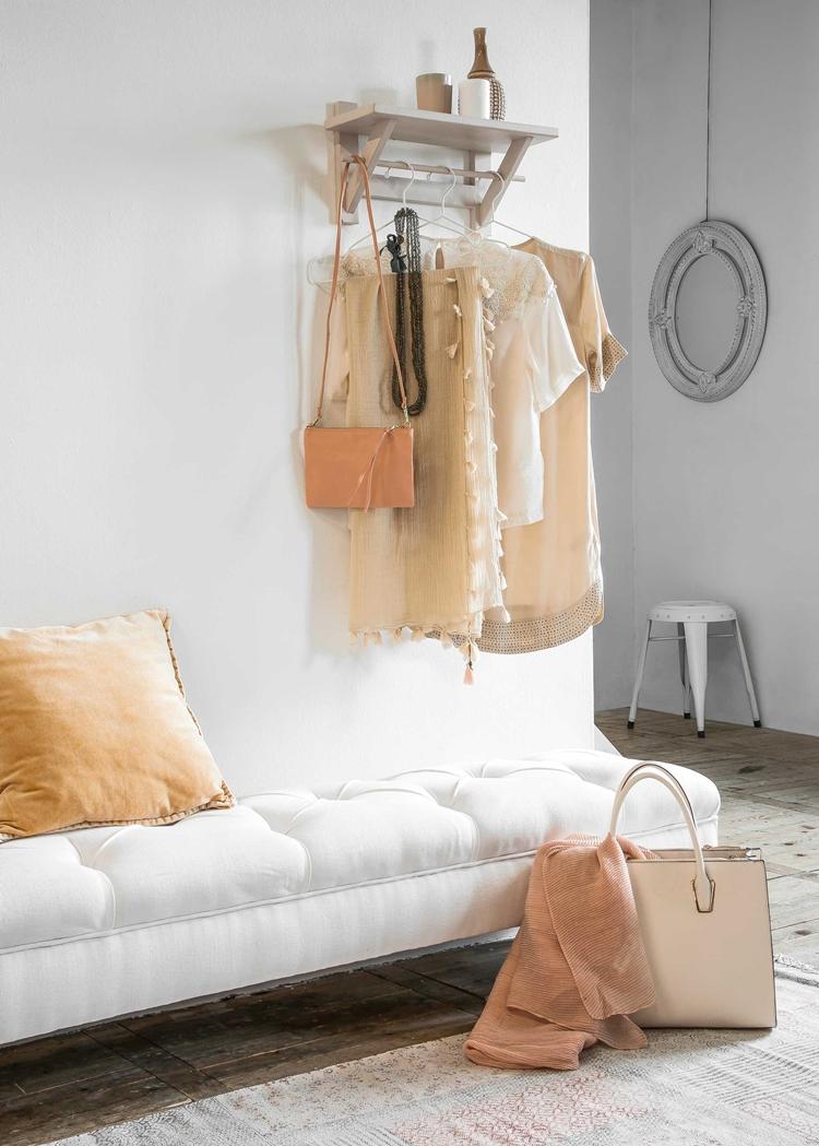 decorar-recibidor-estanteria-gris-perchero-colgador-ropa-decoracion-nordica-alquimia-deco-interiorista-barcelona
