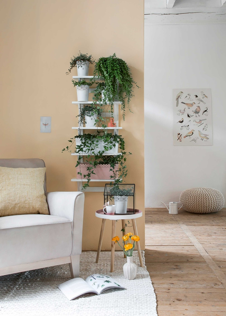 jardin-vertical-estanterias-plantas-ikea-decoracion-nordica-alquimia-deco-interiorista-barcelona-taburete-puff-invernadero-cristal