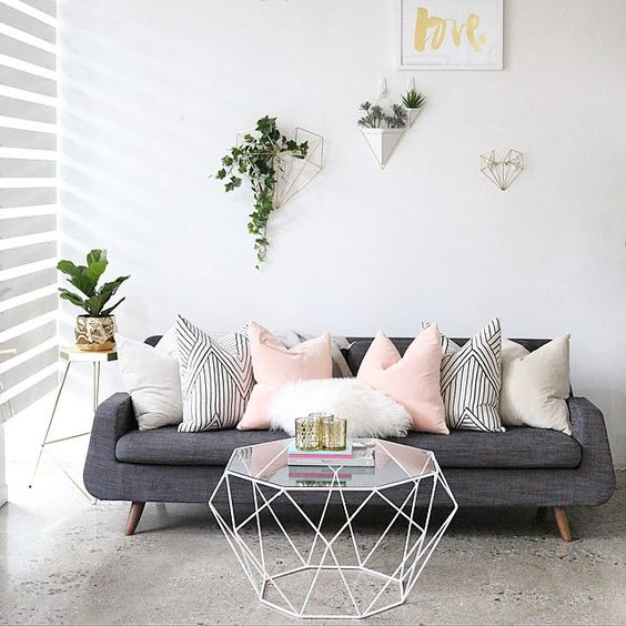 decotip salones - invertir mas en sofa y mesa de centro
