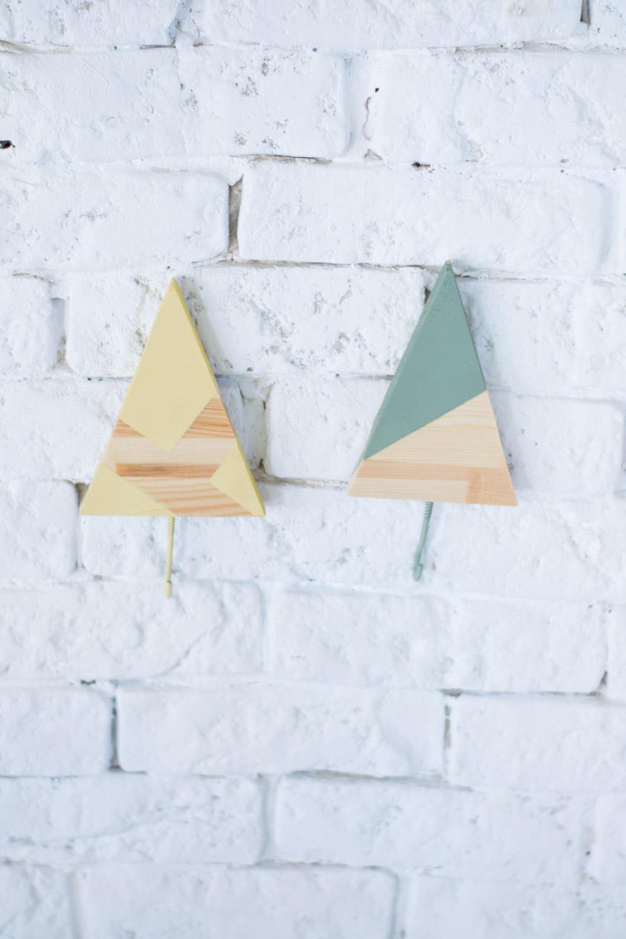 Perchero infantil triángulo diy