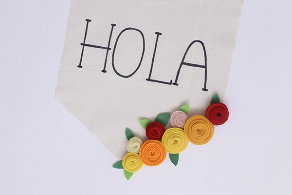 banderin-banner-flores-fieltro-hola