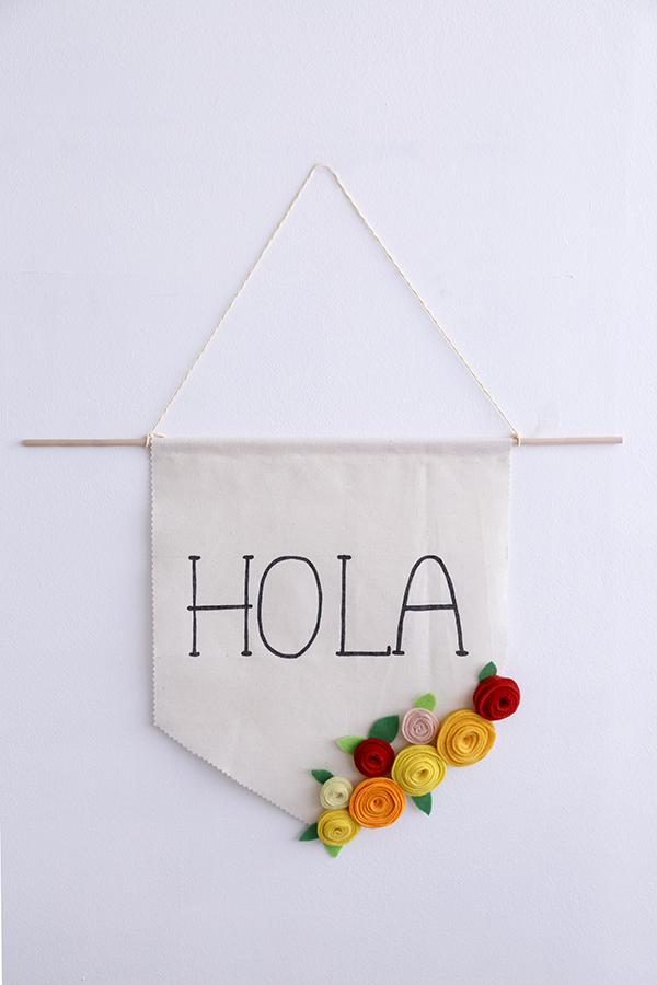 banderin-flores-fieltro-diy-hola-banner
