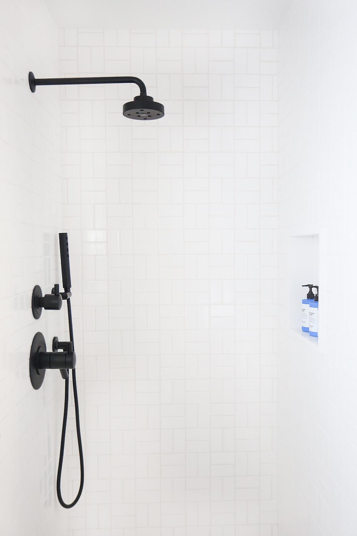 Antes_y_después_mini_baño_de_estilo_ecléctico_detalle_espacio_ducha