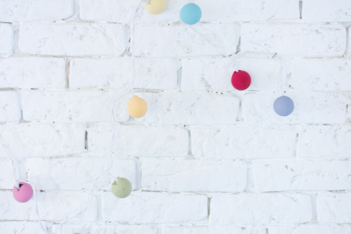 Guirnalda luces ping pong colores