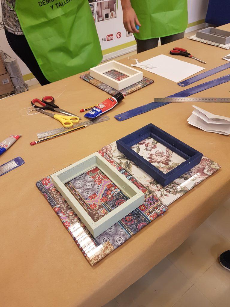 taller-diy-leroy-merlin-sabado-8-octubre-decorar-un-marco-de-fotos-con-telas-8