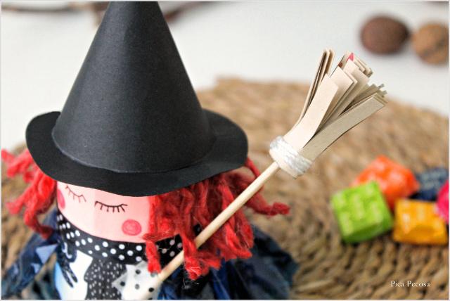 como-hacer-bruja-halloween-vaso-carton-reciclado-diy-foto-escoba
