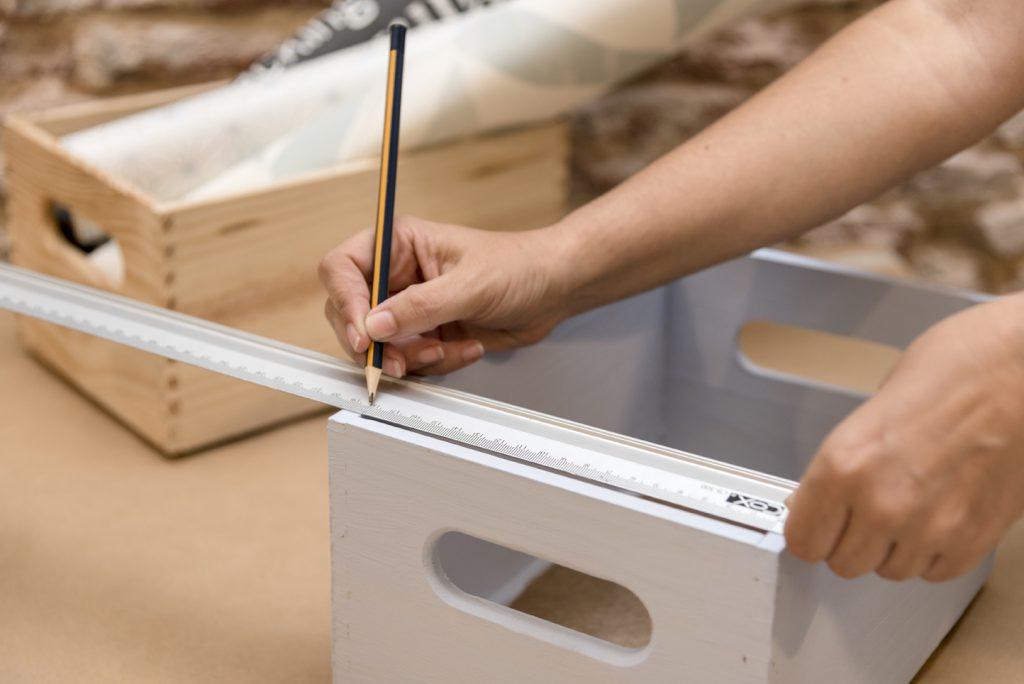stanterias-diy-con-cajas-de-madera-taller-diy-medir-las-cajas-para-decorar