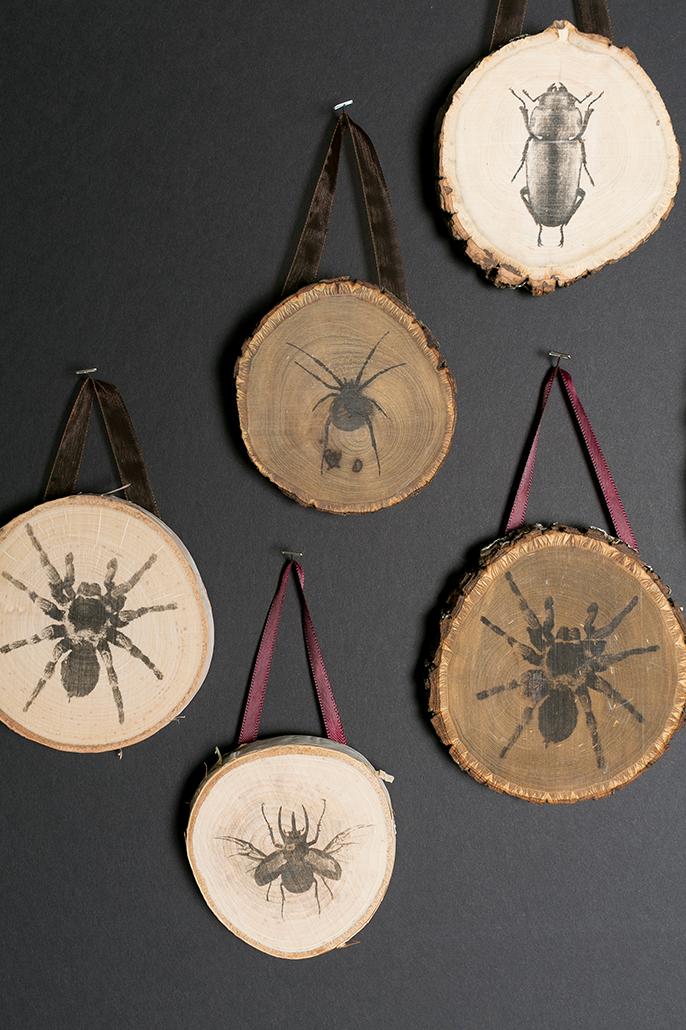 Cómo_decorar_tu_casa_para_Halloween_ideas_inspiraciones_DIY_placas_madera